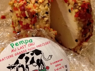 fromage enrob aux poivrons rouge du producteur ferme alips collectif bio de arrigny 51. Black Bedroom Furniture Sets. Home Design Ideas
