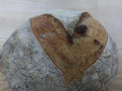 Piémontais (pain bis aux noisettes)